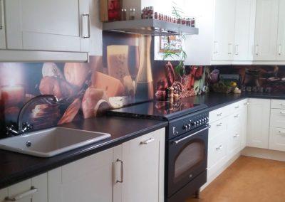 Full colour prints op de muur van een keuken