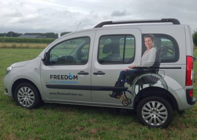 Autobelettering met wrapfolie FreedomAutoaanpassingen